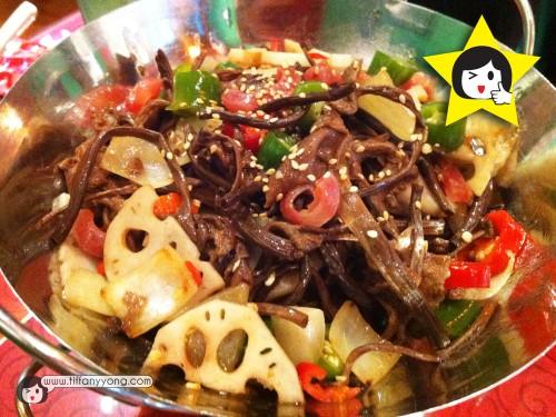 千品茶树菇 $13.80 Griddle-cooked tea tree mushroom