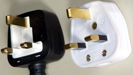 3-pin British type plugs